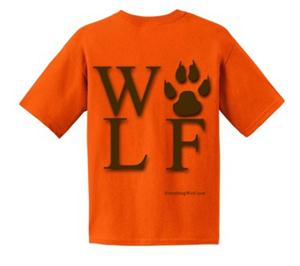 Great colors on this cool Wolf t shirt.