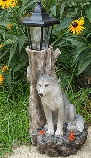 Uniquely new and beautiful Wolf decor item.