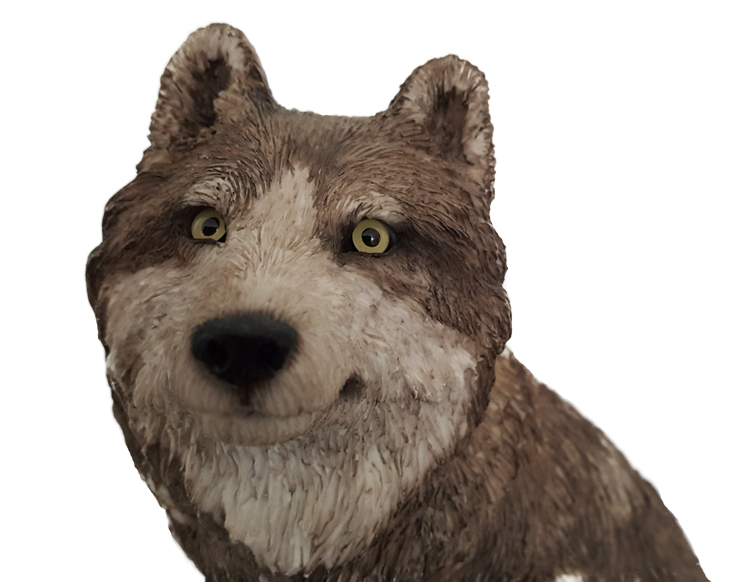 wolf-with-pup-figurine-3.jpg