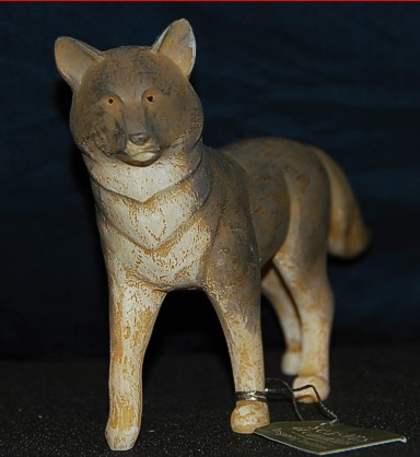 Walking-Wolf-figurine-2.jpg