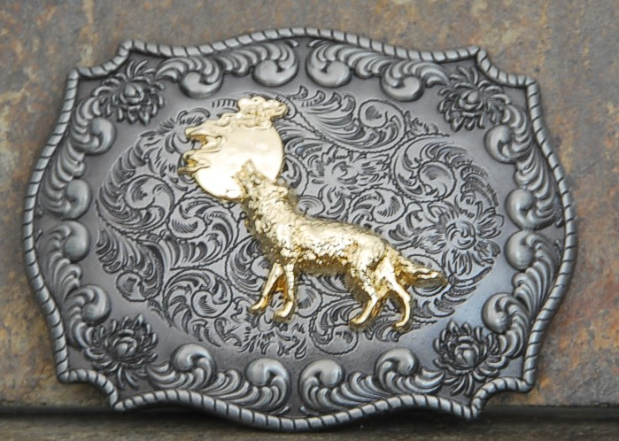 howl-at-the-moon-belt-buckle-3.jpg