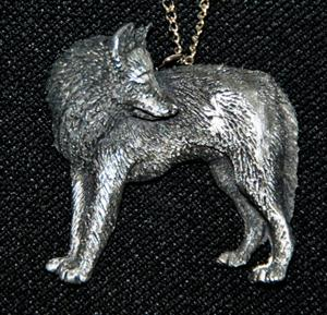 Great detail on this Wolf necklace