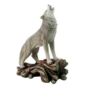 New beautiful howling Wolf figurine. See more pictures.