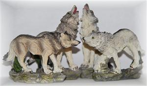 New Wolf figurines that are perfect for a diorama.