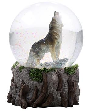 Beautiful new piece for 2018.  Generous size water globe.