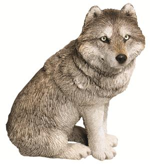 Beautiful eyes on this Wolf Sculpture.