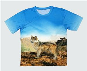 This is an oversized Wolf T Shirt with a 360degree image.