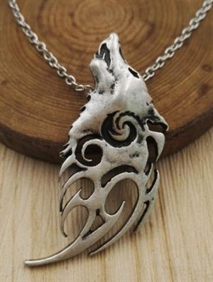 This is an outstandingly beautiful Wolf Necklace.
