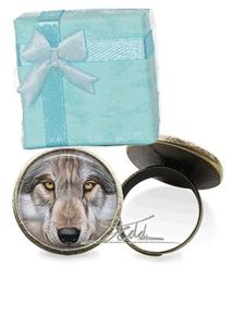 This ring has the most beautiful Wolf face on it.