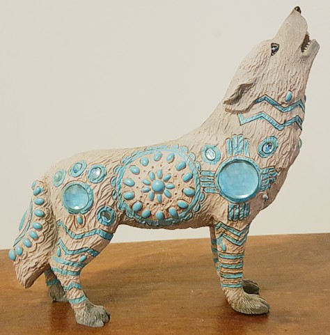 indian-turquoise-wolf-figurine-2.jpg