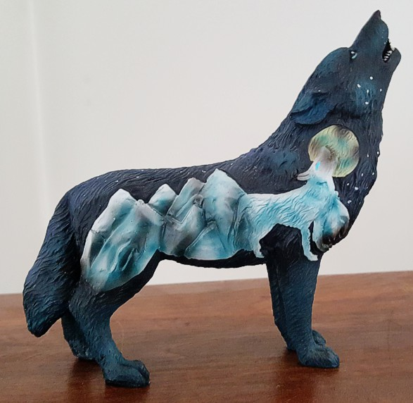mountain-wolf-figurine-2.jpg