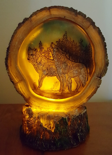 Wolves-light-up-figurine.jpg
