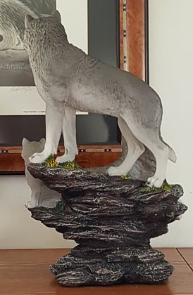 wolves-family-figurine-3.jpg