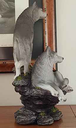 wolves-family-figurine-4.jpg